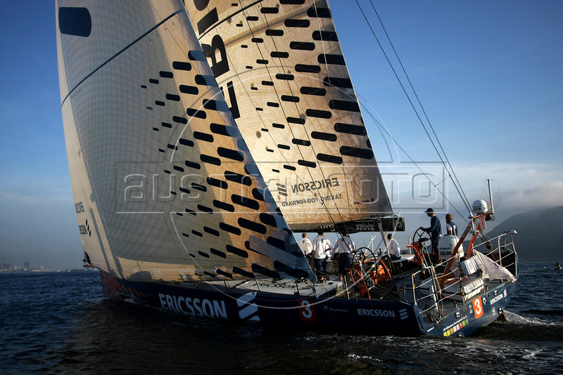 Members of the Ericsson 3 boat sail into the Guanabara bay during their first place arrival of leg 5 of the Volvo Ocean Race in Rio de Janeiro, March 26, 2009.(Australfoto/Douglas Engle)