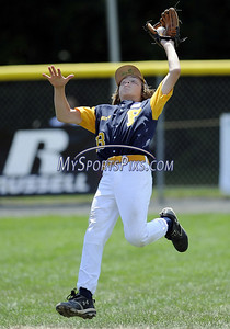 8/11/2009 Mike Orazzi | Staff Vermont's Cam Wright (13) catches a fly ball during a 4-3 win over Maine at the 2009 Eastern Regional Little League Tournament in Bristol, Conn., on Tuesday, August 11, 2009.