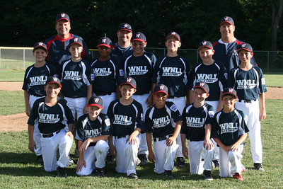 10-11's team picture