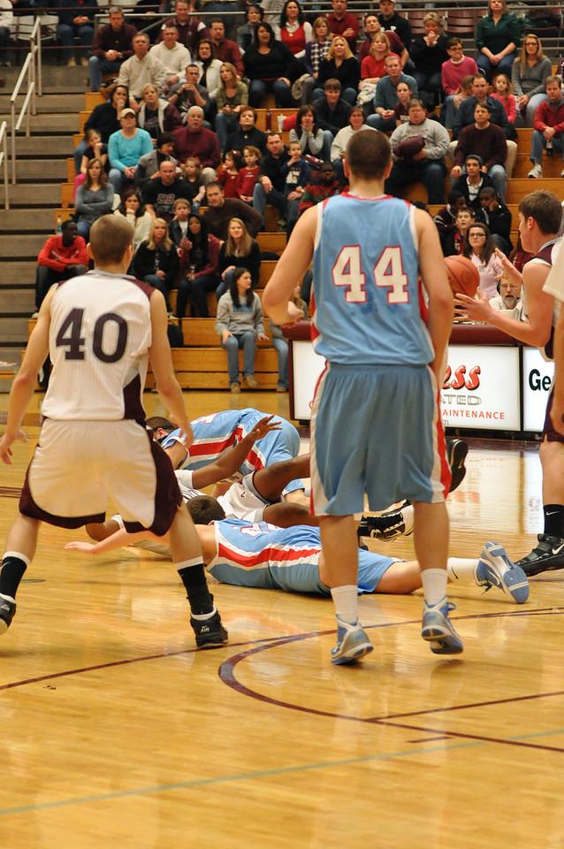 basketball homecoming 02-05-2010 (53 of 134)
