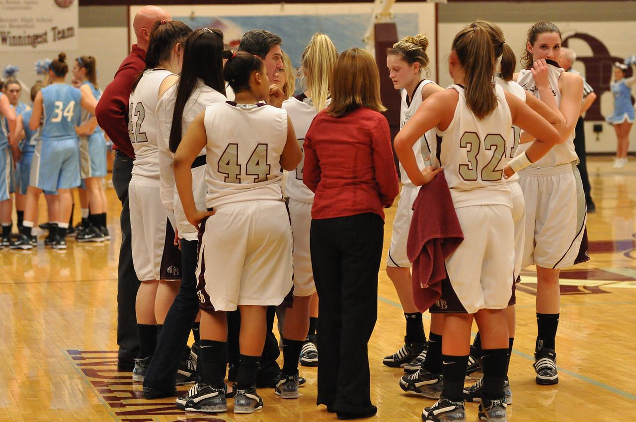 basketball homecoming 02-05-2010 (23 of 134)