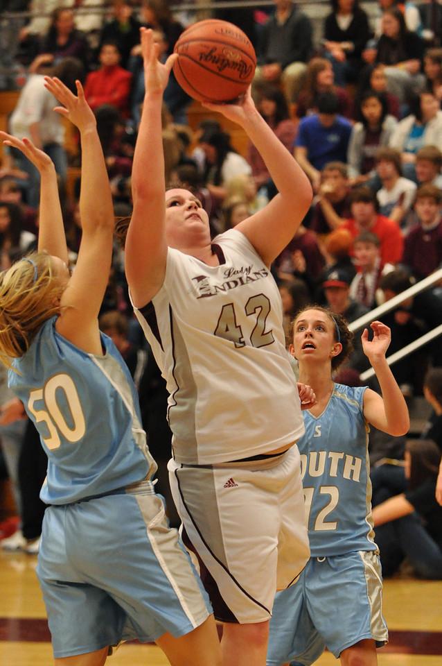 basketball homecoming 02-05-2010 (30 of 134)
