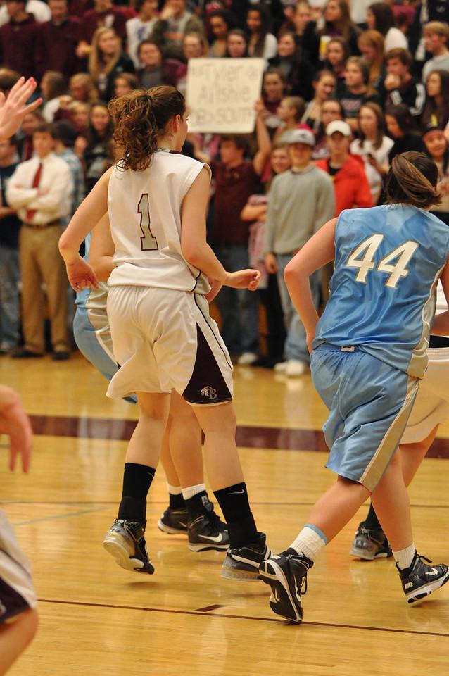 basketball homecoming 02-05-2010 (43 of 134)