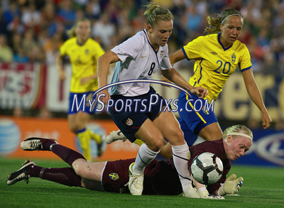 U.S. Women's National Soccer Team vs Sweden