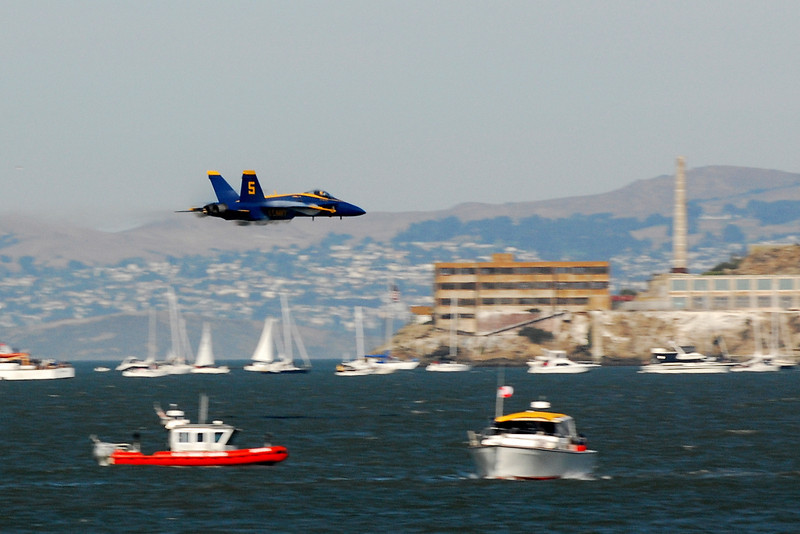 US Navy Blue Angels - High-speed Sneak Pass