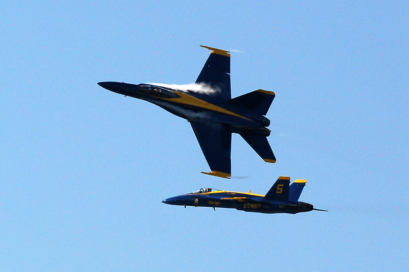 US Navy Blue Angels - Low Break Cross