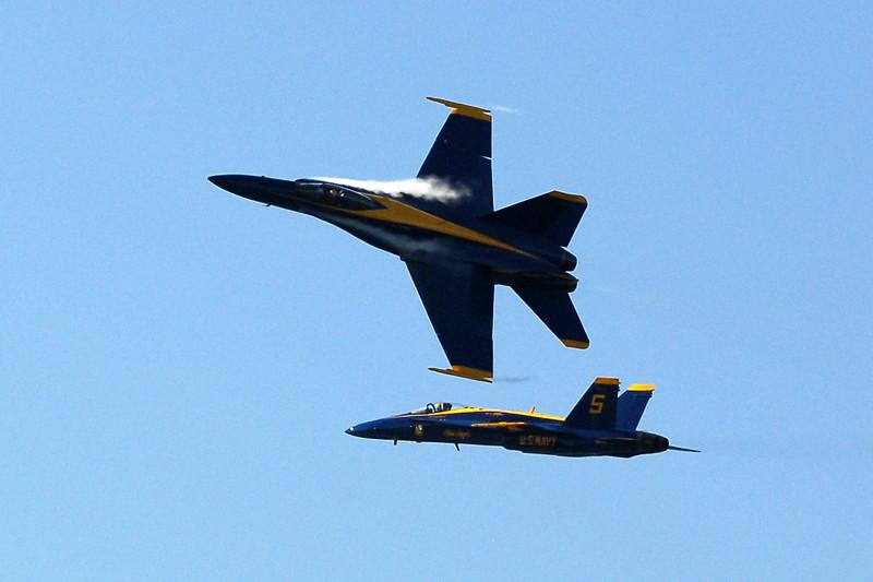 US Navy Blue Angels - Low Break Cross