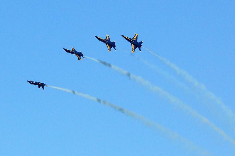 US Navy Blue Angels - Left Echelon Roll