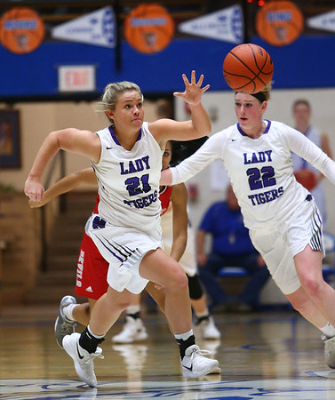 2-3-18<br /> Northwestern vs West Lafayette girls basketball sectional championship<br /> Morgan Mercer goes after a loose ball.<br /> Kelly Lafferty Gerber | Kokomo Tribune