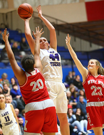 2-3-18<br /> Northwestern vs West Lafayette girls basketball sectional championship<br /> Kendall Bostic shoots.<br /> Kelly Lafferty Gerber | Kokomo Tribune