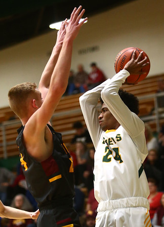 2-13-18<br /> Eastern vs Alexandria boys basketball<br /> Greg Black looks for a pass.<br /> Kelly Lafferty Gerber | Kokomo Tribune