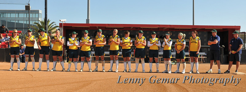 Aussie Spirit is #2 Clare Currie, #4 Danielle Stewart, #9 Tracey Mosley, #11 Justine Smethurst, #15 Brenda de Blaes, #16 Stacey Porter, #17 Leigh Godfrey, #18 Kylie Cronk, #19 Lauren Daykin, #22 Leah Parry, #25 Chelsea Forkin, #27 Jodie Bowering, #28 Clare Warwick, #29 Verity Long-Droppert, #31 Aimee Murch, #32 Kaia Parnaby, and #35 Karina Cannon.