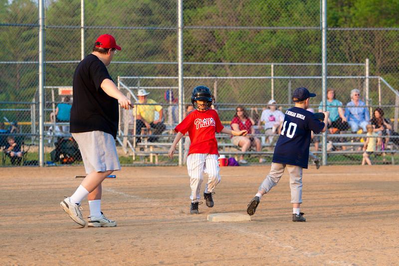 Dwight Baseball 5-12-11-130