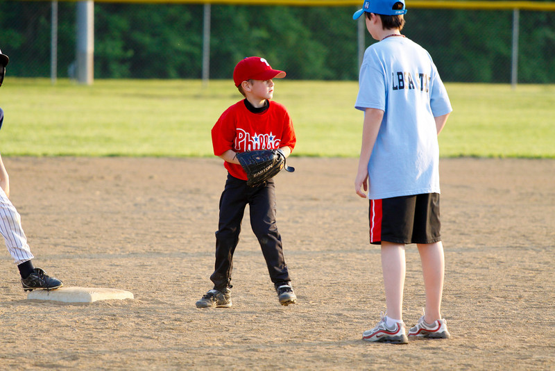 Dwight Baseball 5-12-11-60