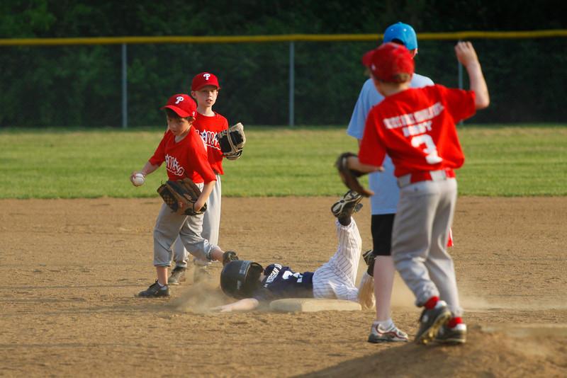 Dwight Baseball 5-12-11-16