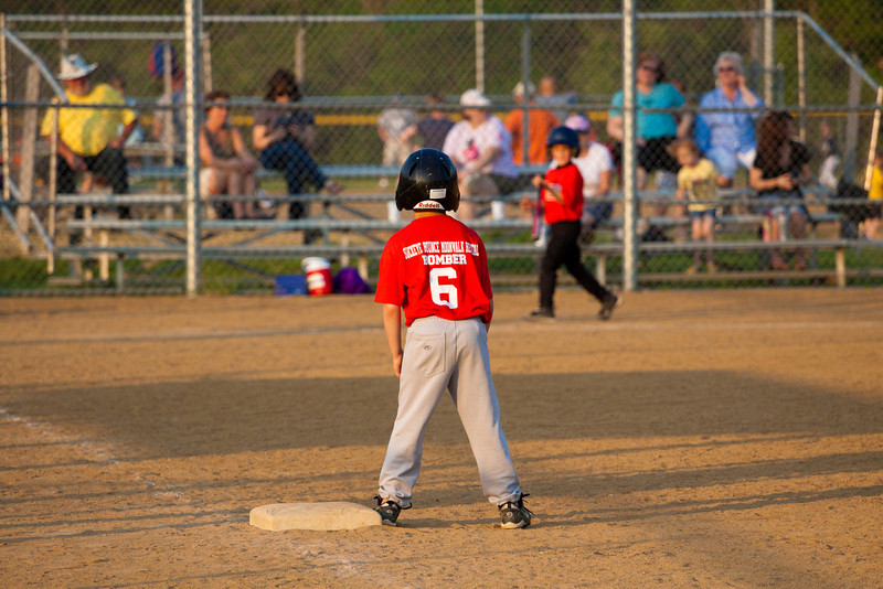 Dwight Baseball 5-12-11-70