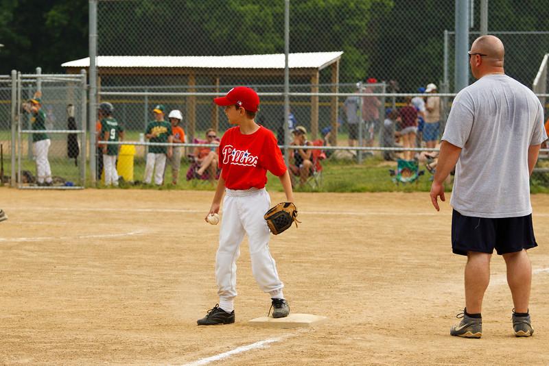 Dwight Baseball 6-5-11-123