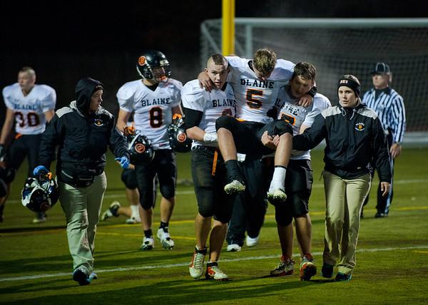 2011 10-15 Blaine Football - Red Raiders-9512