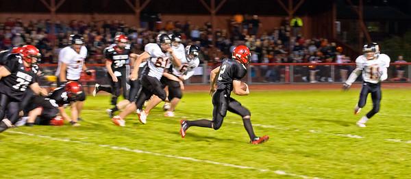 2011 9-30 Blaine Football - Mt  Baker-8207