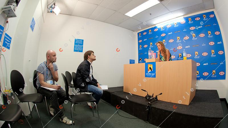 2011 Australian Open Tennis - photographer: Mark Peterson / corleve - HLAVACKOVA, Andrea (CZE) vs AZARENKA, Victoria (BLR) [8]