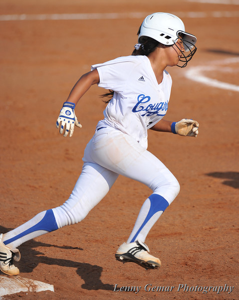 Rounding 1st, #3 Heavin-lee Rodriguez pops out to short.