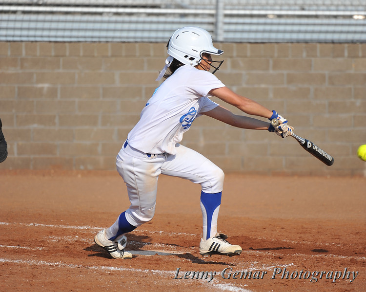 #2 Kaitlin McGinley lines-out to 3rd.