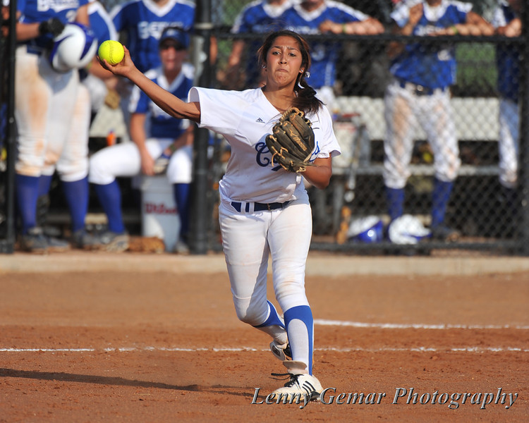 #3 Heavin-lee Rodriguez throws to 1st.
