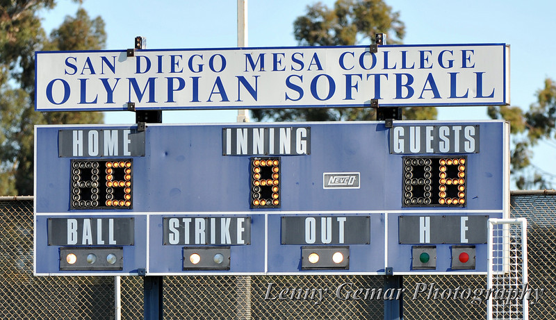 Mesa takes the lead to end the game in the bottom of the 9th.