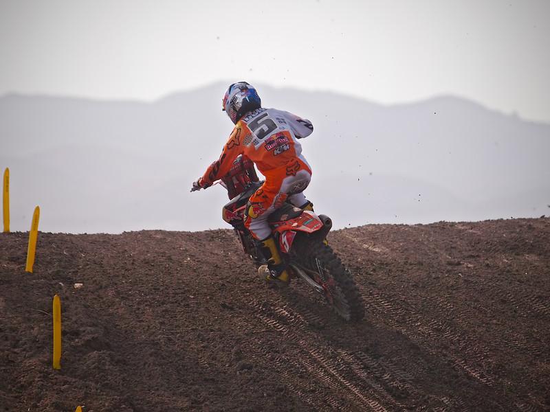Ryan Dungey leads in 450 Moto 2 at Lake Elsinore - 8 Sept 2012