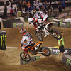 Justin Barcia pressures Ryan Dungey in Main Event Moto 3 - 20 Oct 2012