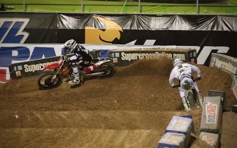 Eli Tomac pressures Justin Barcia - SX250 East/West Shootout - 5 May 2012