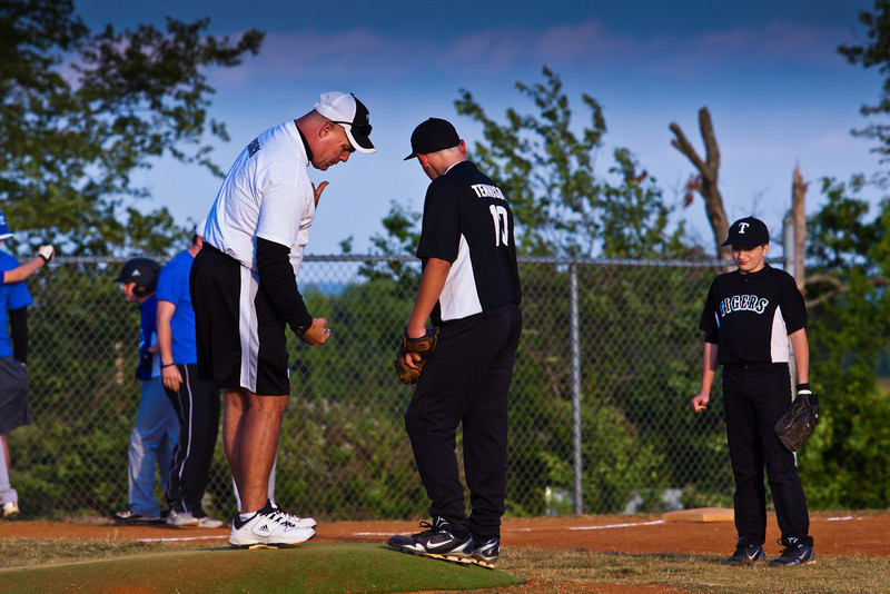 20120424_TigerBaseball-1021-1020