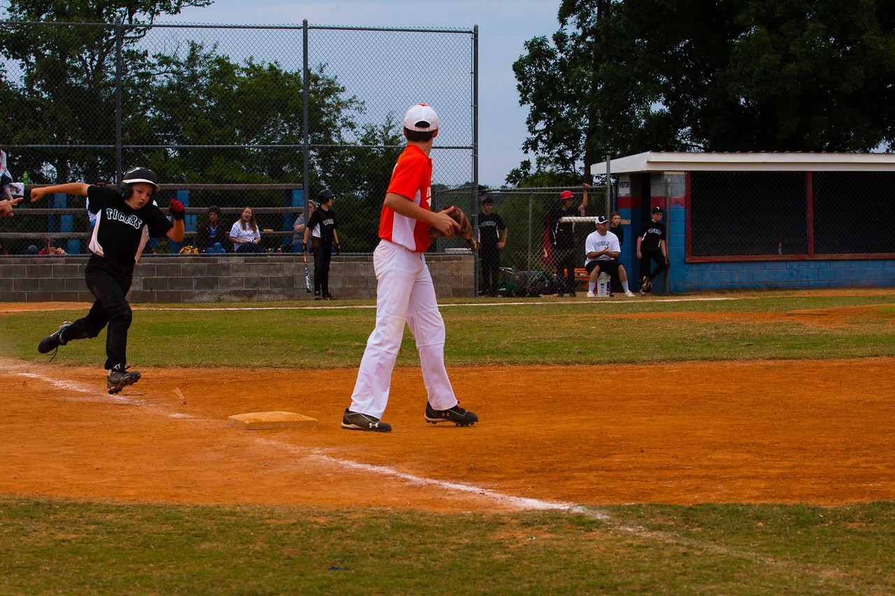 20120512_TigerBaseball-2015-380