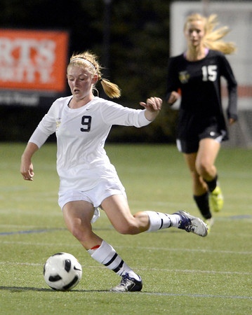 Peak to Peak High School's Lea Maxwell moves the ball upfield on Wednesday, July 25, during the girls All-Star soccer game at Shea Stadium in Highlands Ranch.<br /> Jeremy Papasso/ Camera