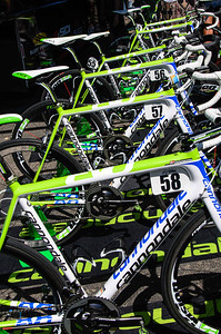 The team bikes all lined up before the stage 1 start.