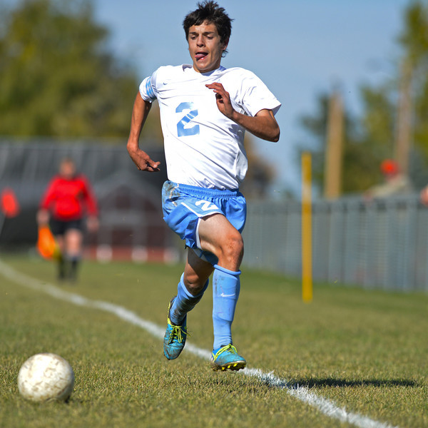 Hunter Reece sprints to keep a ball inbounds during the second half of the Generals 2-1 loss to Northeastern JC Wednesday at Maier Field. (The Sheridan Press/Brad Estes)