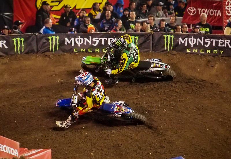 Kyle Chisolm passes Josh Hansen - 450 LCQ - 5 Jan 2013