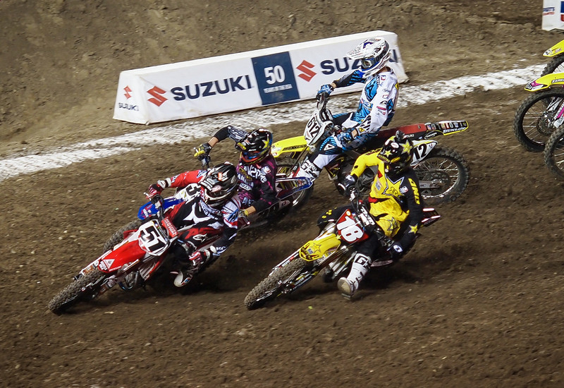 First turn action in 450 Heat - 2 Feb 2013
