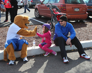 14-Lions and kids-II