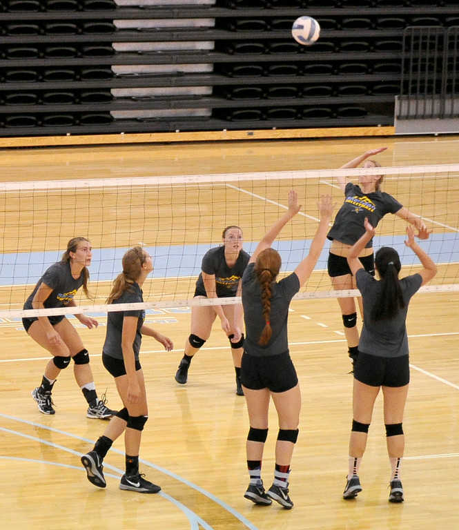 The Lady Generals volleyball team scrimmages during practice on Friday at the Golden Dome. The Sheridan Press|Mike Pruden
