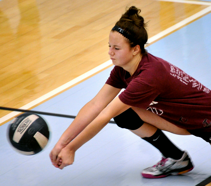 Lizzie Drane dives for a dig at the Sheridan College Volleyball Camp on Monday at the Bruce Hoffman Golden Dome. The Sheridan Press|Mike Pruden