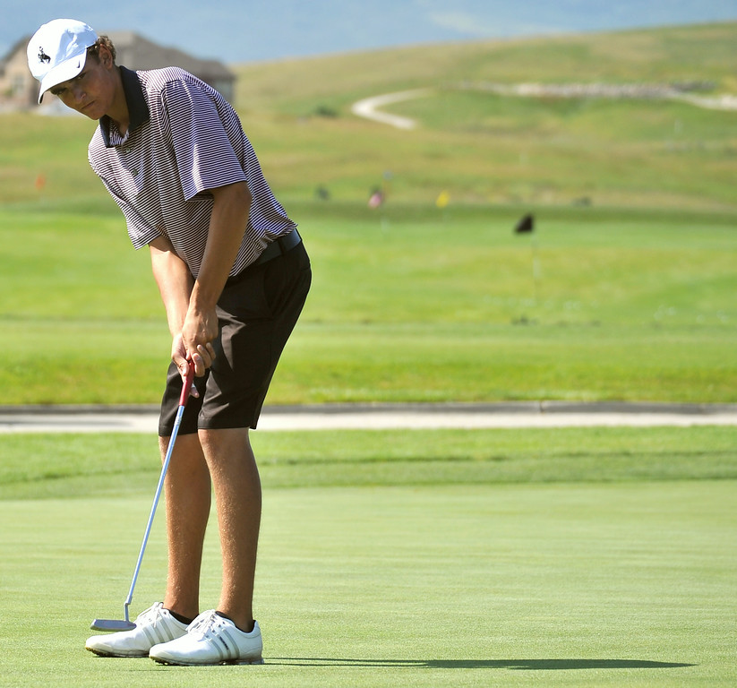 Jack Mavrakis practices his putting on Wednesday at the Powder Horn. The Sheridan Press|Mike Pruden