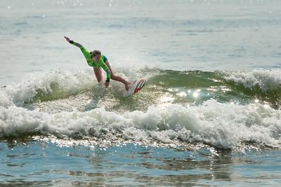 082114JTO_DSC_0133_Surfing-HI-Fi Womens Pro Semi 2