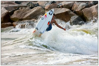 082314JTO_DSC_1509_Surfing-Vans Pro Jr-Victor Bernardo Warmup
