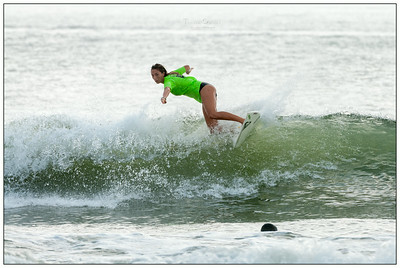 082114JTO_DSC_0046_Surfing-HI-Fi Womens Pro Semi 2