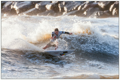 082414JTO_DSC_2939_Surfing-Vans Pro-Nathaniel Curran-Rd4 Heat 1