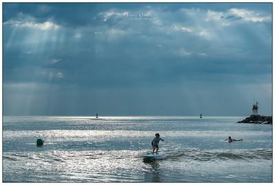 082214JTO__DSC9469_Surfing-Sunrays