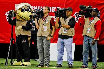 Falcons mascot, Freddie