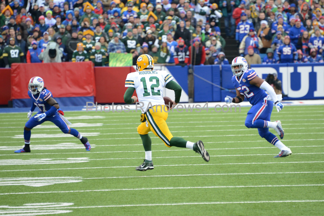 Aaron Rodgers runs for a first down