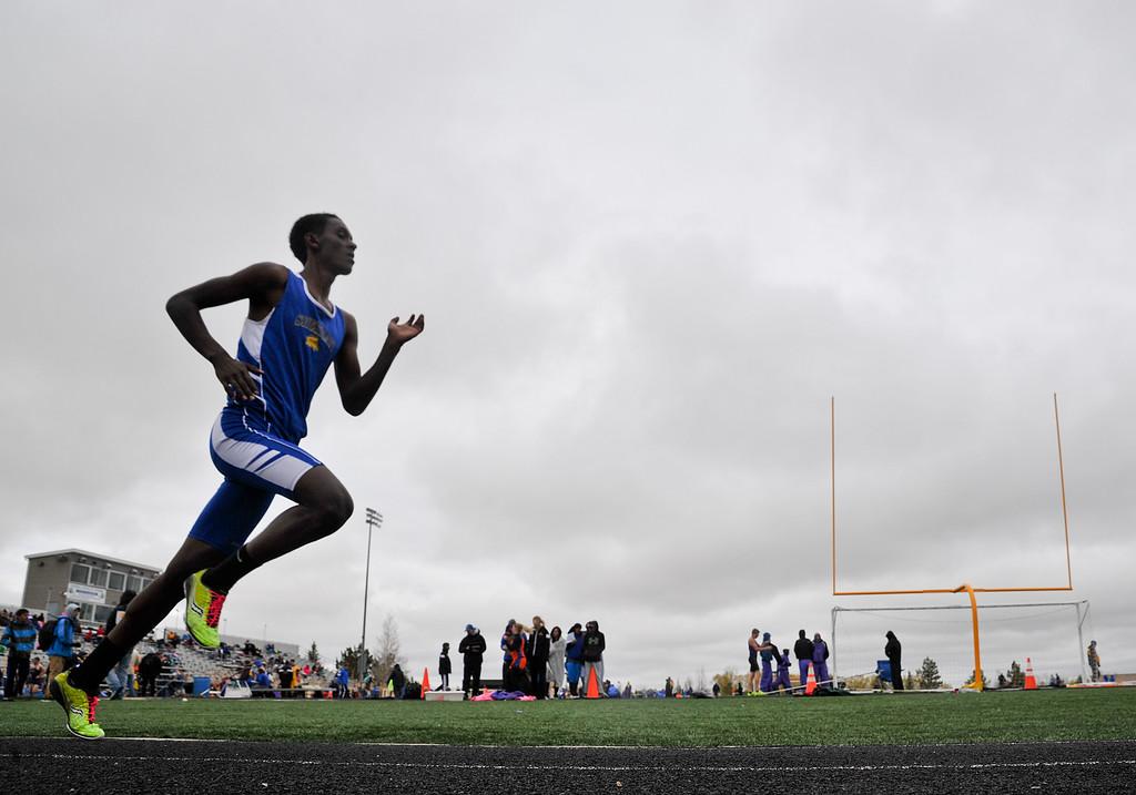 Sheridan's Micah Sweeney runs in the Boys 1600 Meter Run during the Dan Hansen Invitational Saturday at Sheridan High School. Justin Sheely/The Sheridan Press.